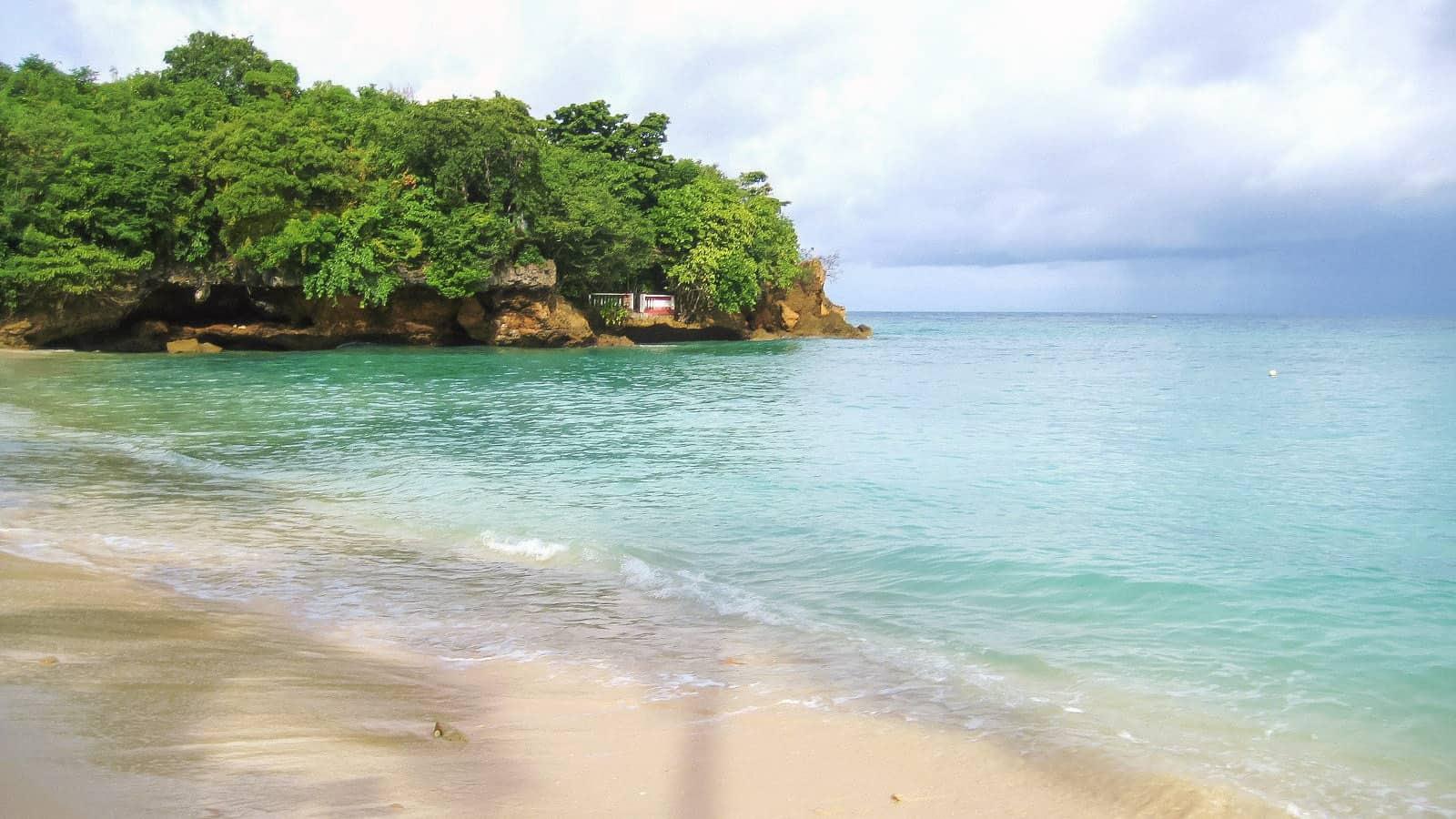 Alubihod Beach: Finding Paradise in Guimaras, Philippines