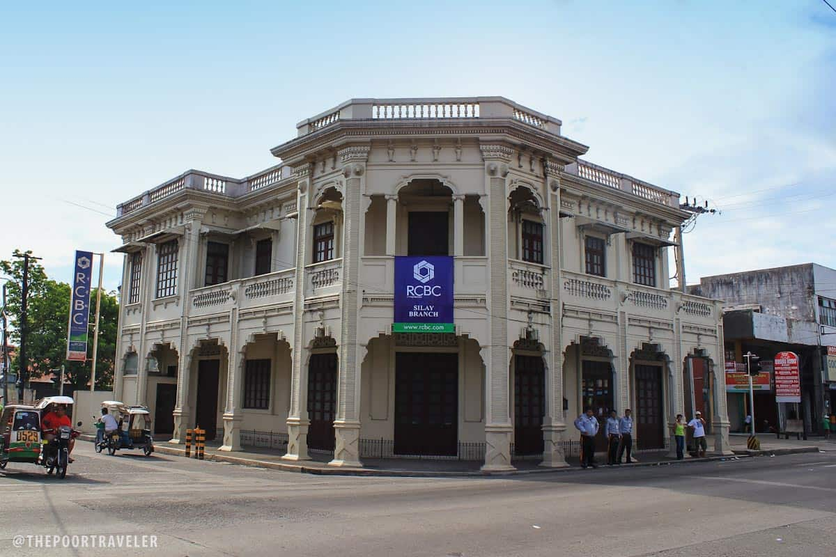 An ancestral house in Silay houses a bank