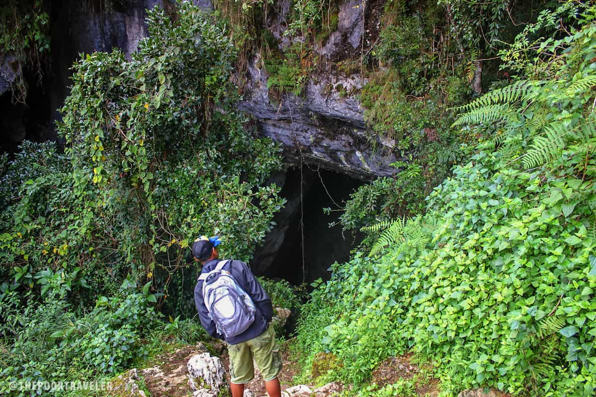 Our Guide leading the way into the mouth of Lumiang Cave