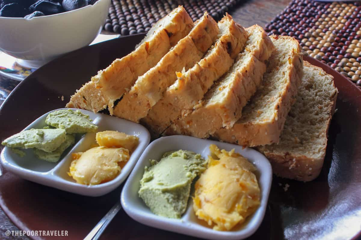 Complimentary squash loaf bread with mango and pesto spreads. Yep, free.