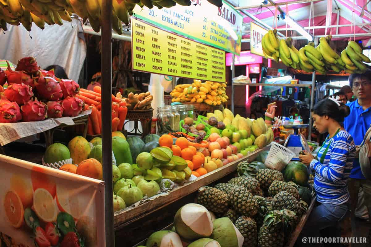 A fruit shake stall along Khao San Road