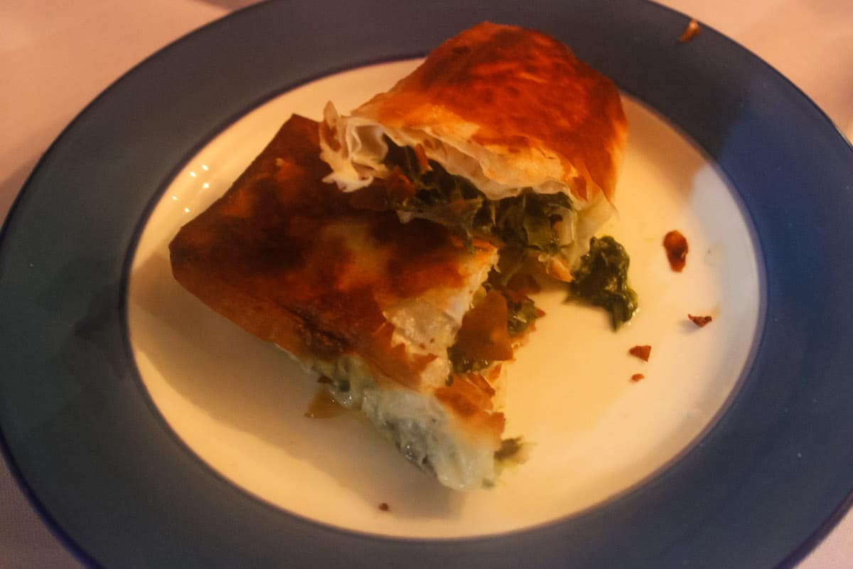 Spanakopita (P90), a sort of fried lumpia filled with spinach, onion leaves, and feta cheese. Well, it tasted almost exactly like spinach lumpia with cheese.