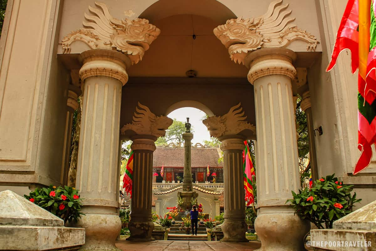 Le Thai To Memorial