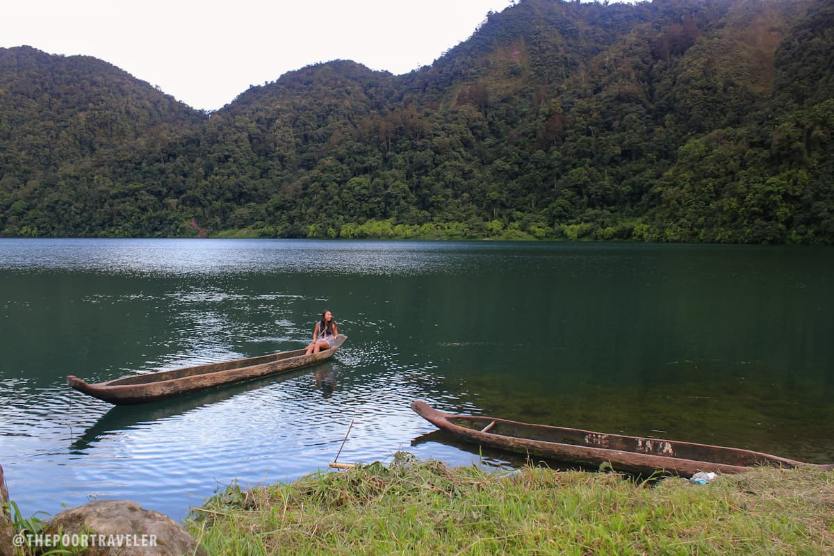 Gay of Pinay Travel Junkie taking her turn to canoe, because she can. canoe.