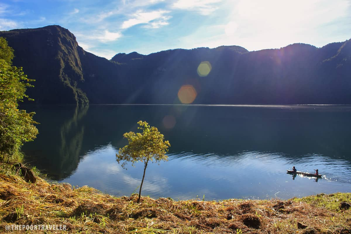 Cold, bright morning at Lake Holon