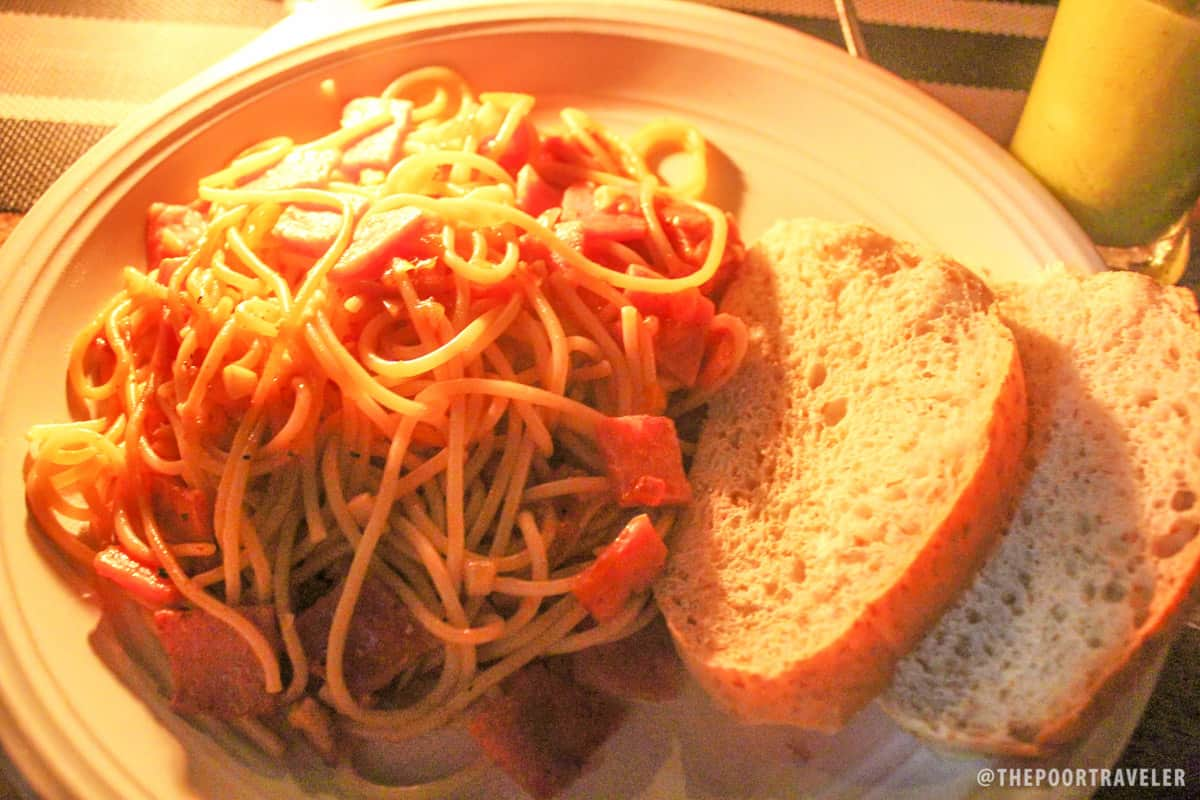 Spaghetti with homemade tomato sauce and ham (P189)