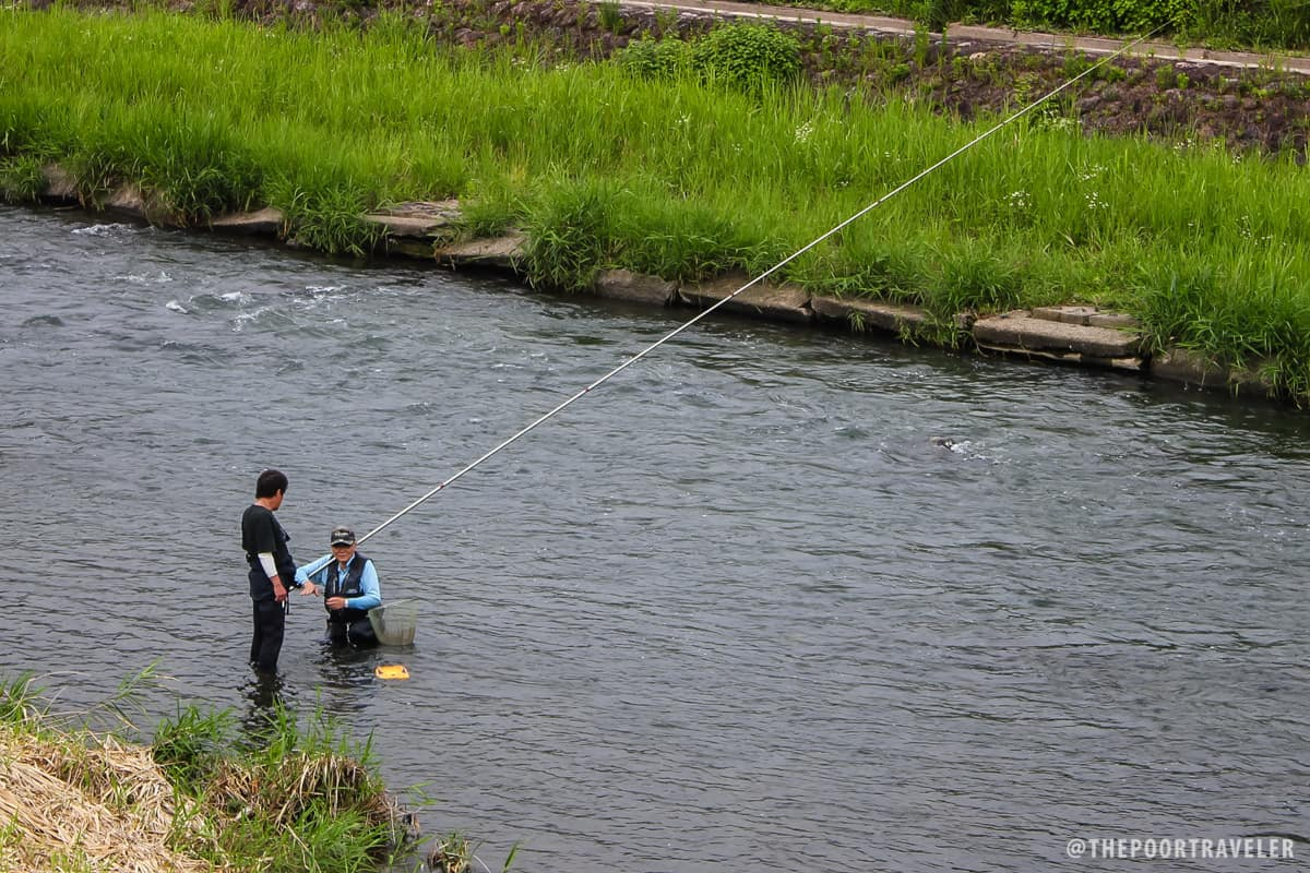 Locals fishing at Oi River