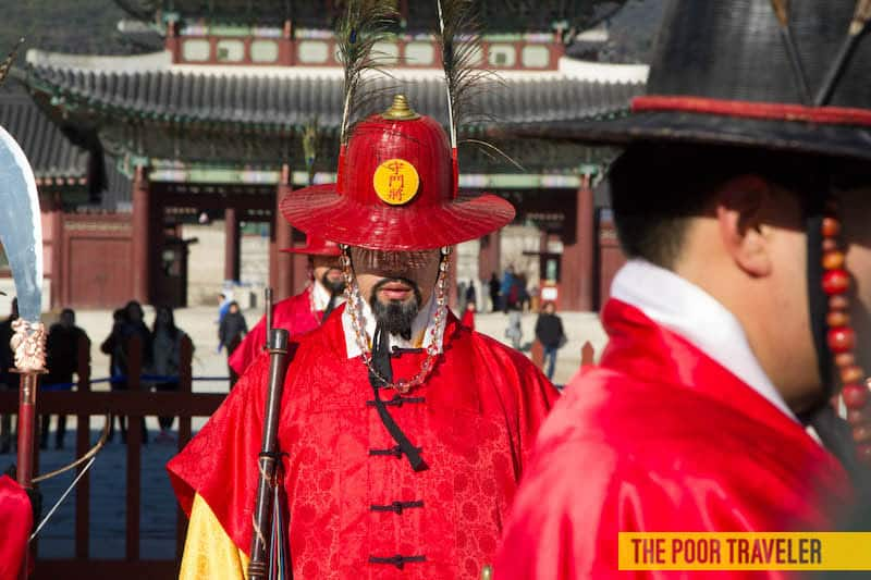 The guards at Gyeongbokgung Palace gate