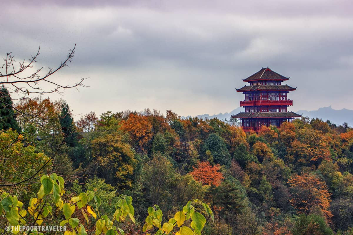 Tian Zi Ge (Tianzi Pavilion). Perched on a cliff, the six-story pagoda allows breathtaking view of the famous peaks.