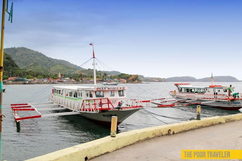 Passenger boats docked at Tingloy Port