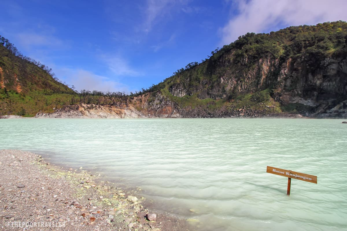 Turquoise crater lake of Kawah Putih