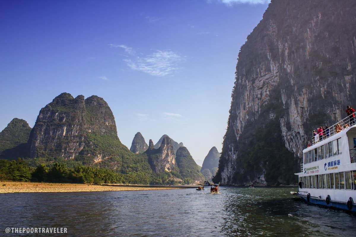 The river cruise begins at Zhujiang Pier