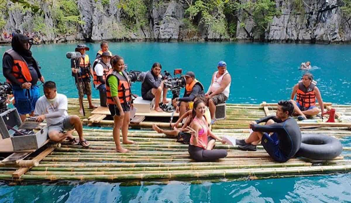 Direk Antoinette Jadaone with Kim Chiu, Xian Lim, and the rest of the production staff of All You Need is Pag-ibig at Kayangan Lake.