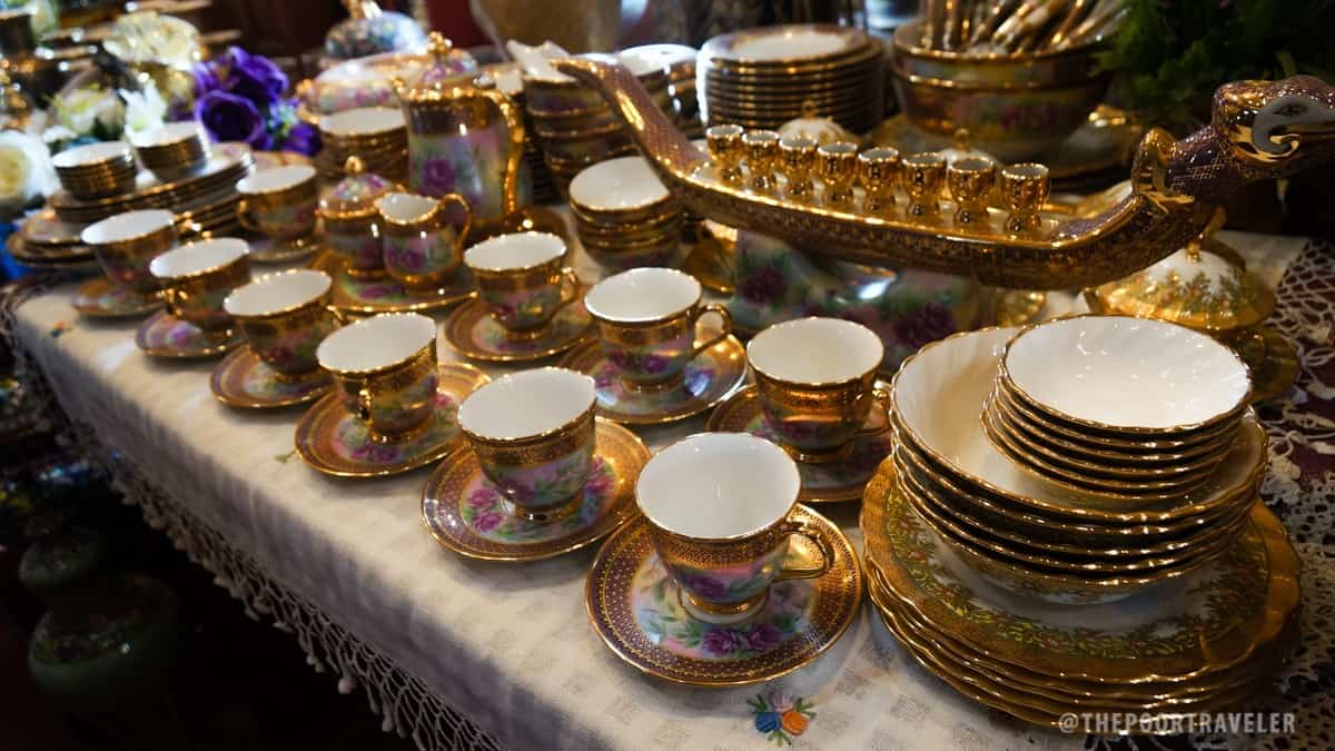 Benjarong Porcelain Village Complete Dining Set