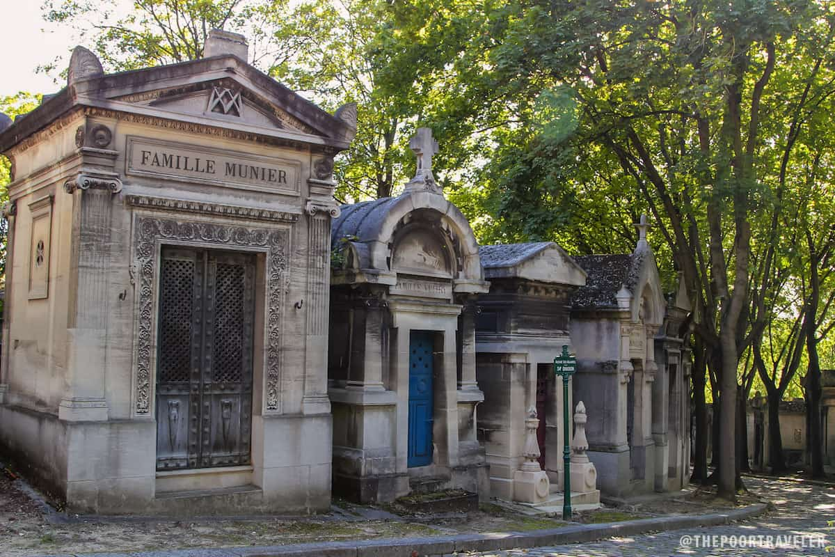 There are more than 70,000 tombs and burial plots in Pere Lachaise
