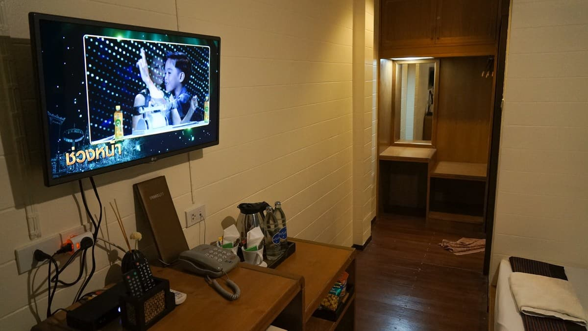 Thanicha Healthy Resort - Standard Room TV