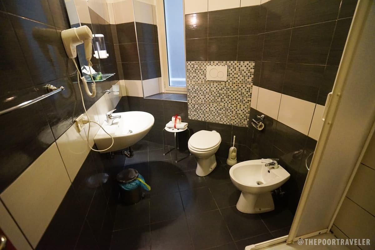 Hotel Leone Rome Italy Toilet & Bathroom